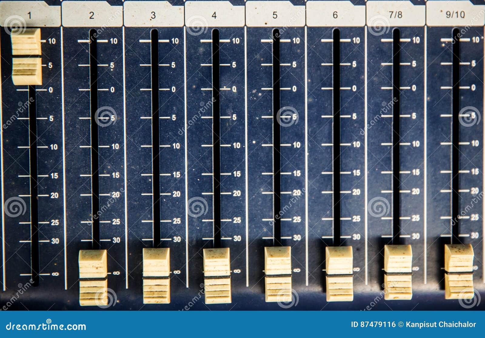 Wyrównywacza przyrządu obruszenie dla nagrywać i reprodukci dźwięk