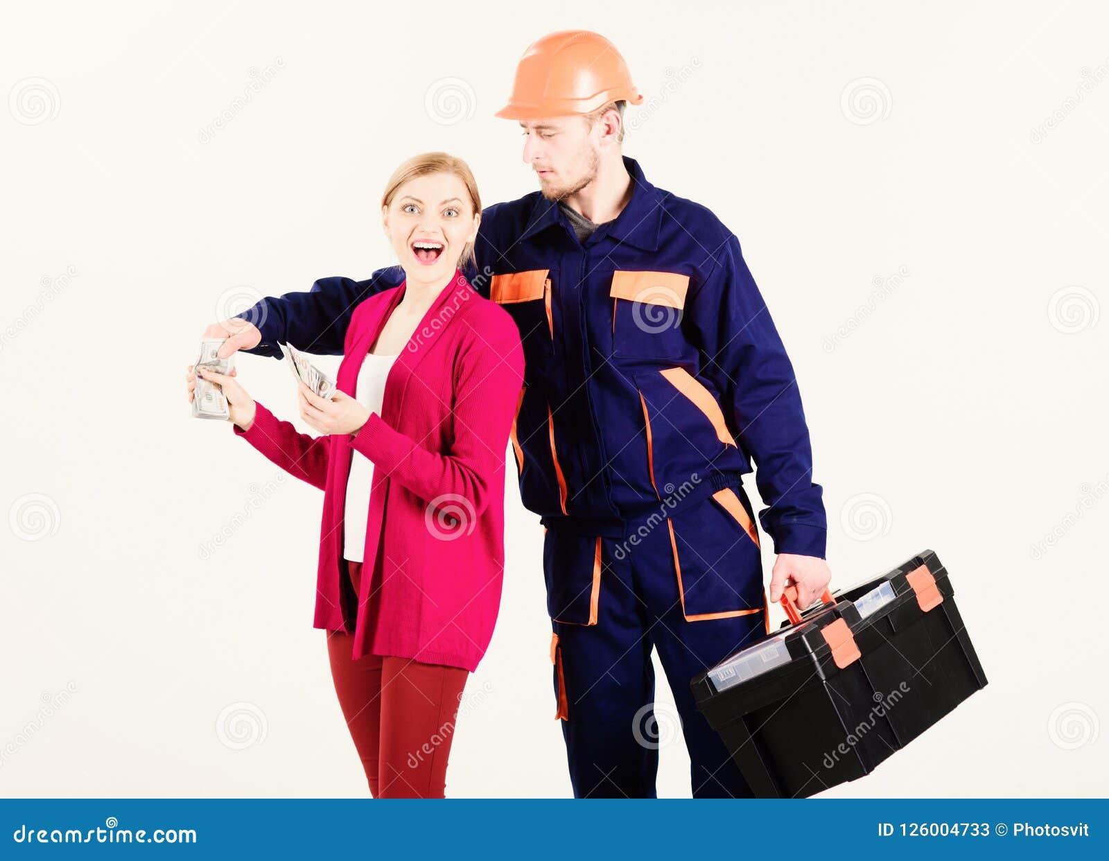 Wysoki rachunku pojęcie Naprawiacz dostaje pensję dla pracy