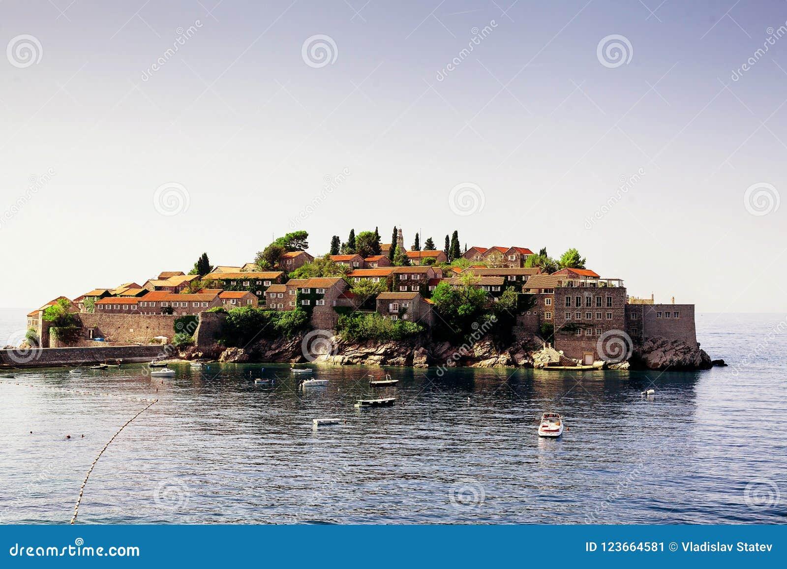 Wyspa Sveti Stefan europejczycy Montenegro