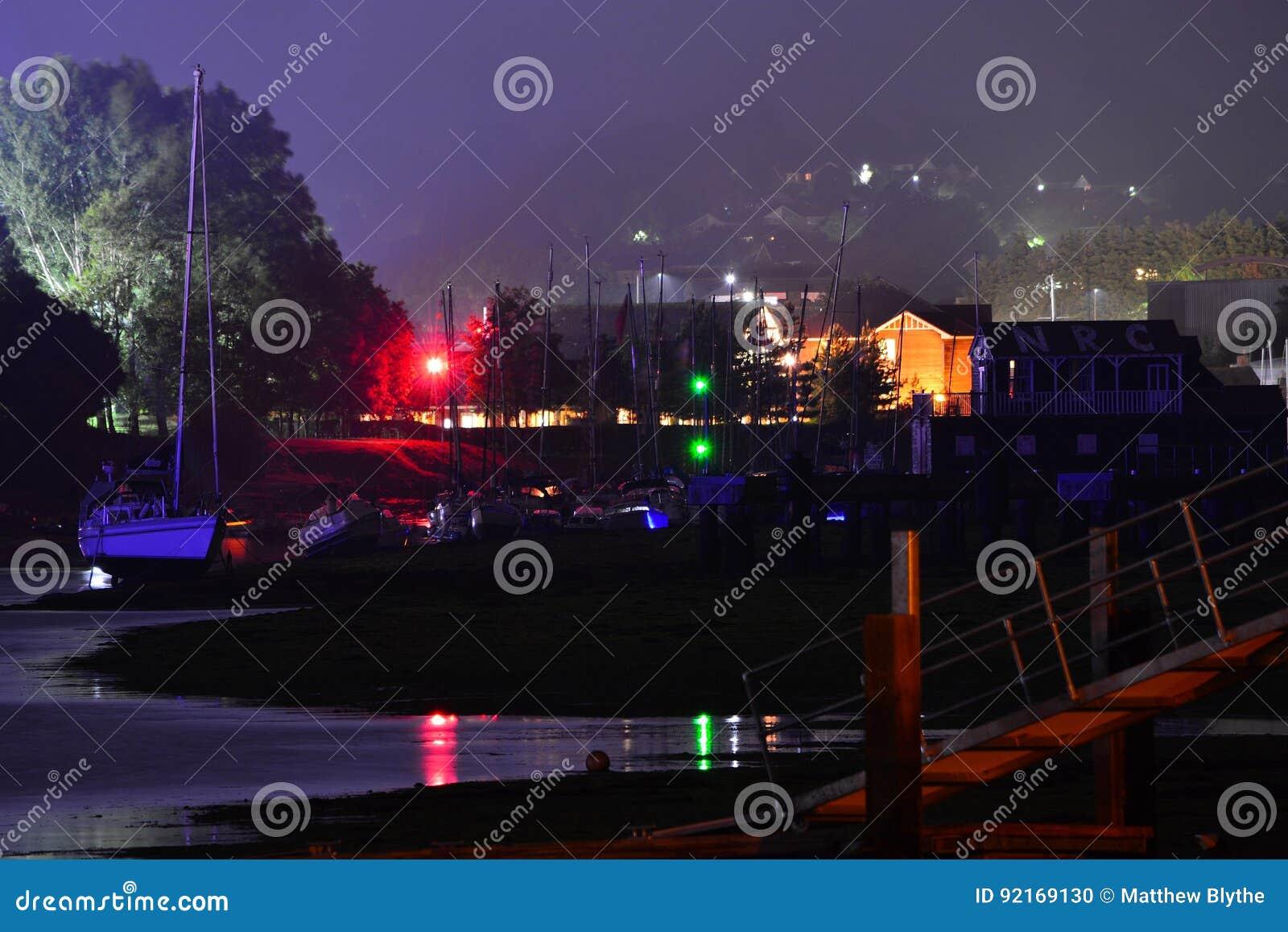 Wyspa Wight festiwalu Główna scena przy nocą