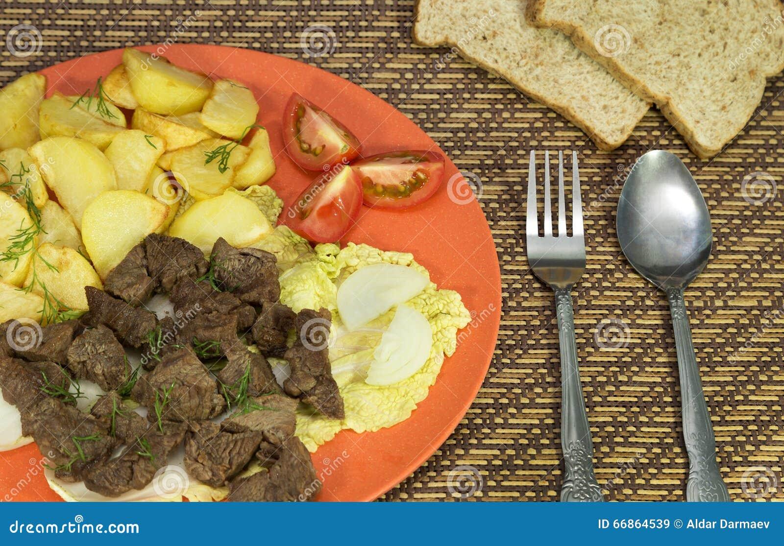 Wzmacnia z grula posiłkiem