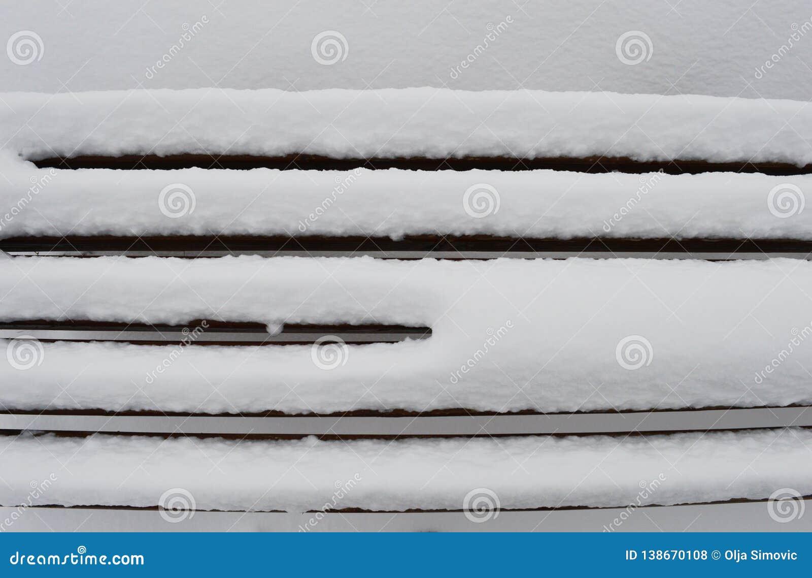 Wzory w śniegu