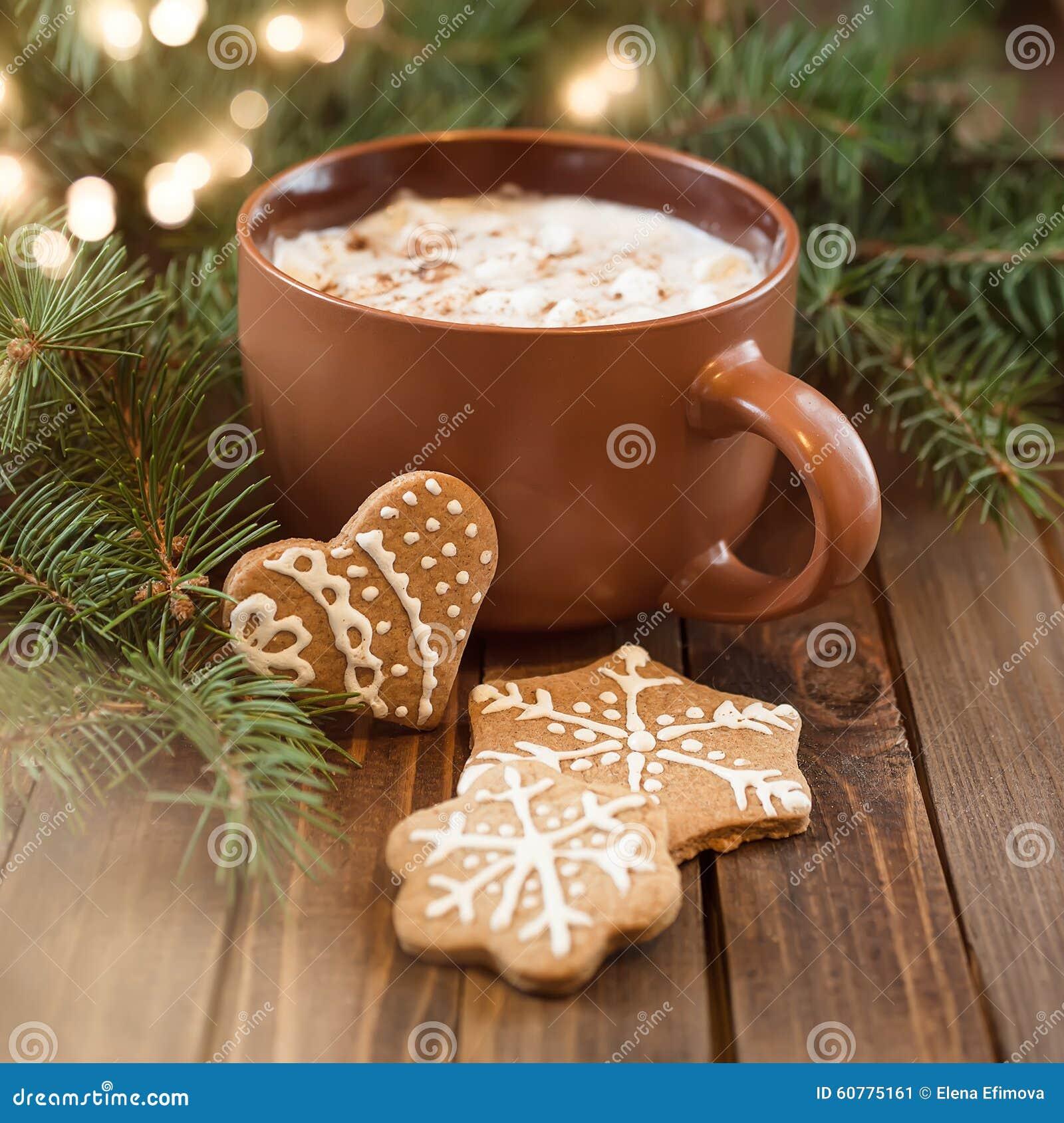 Xícara de café com doçura do Natal