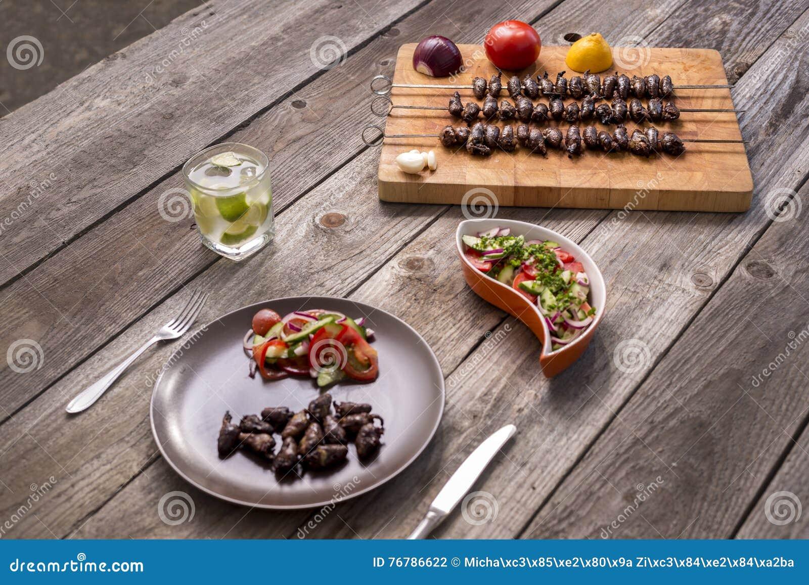& x22; Churrasco de curacao& x22; , alimento brasileiro tradicional do assado