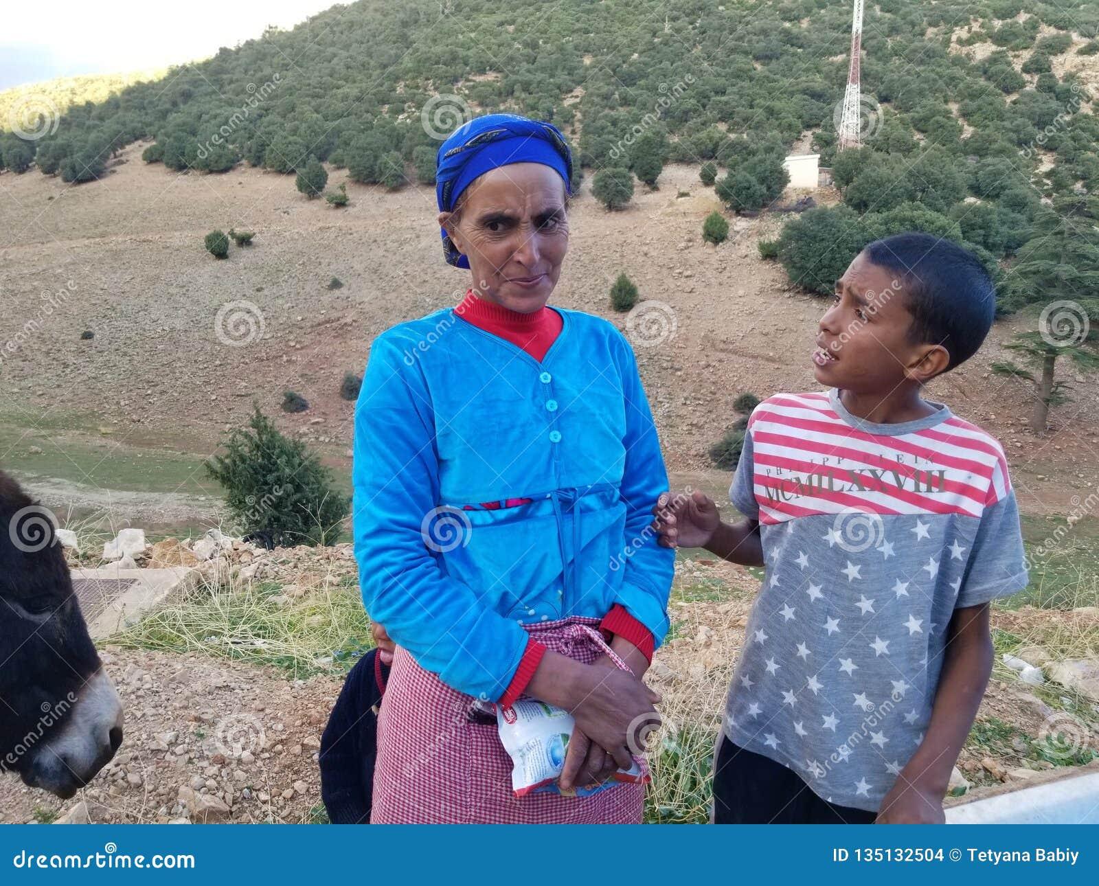 ( pobre; menos fortunate) familia en Marruecos septentrional
