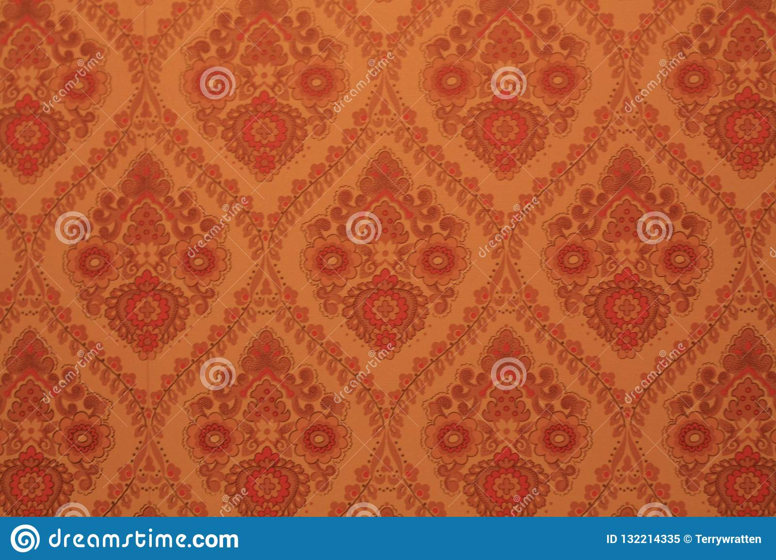 70's wallpaper with repeating paisley pattern