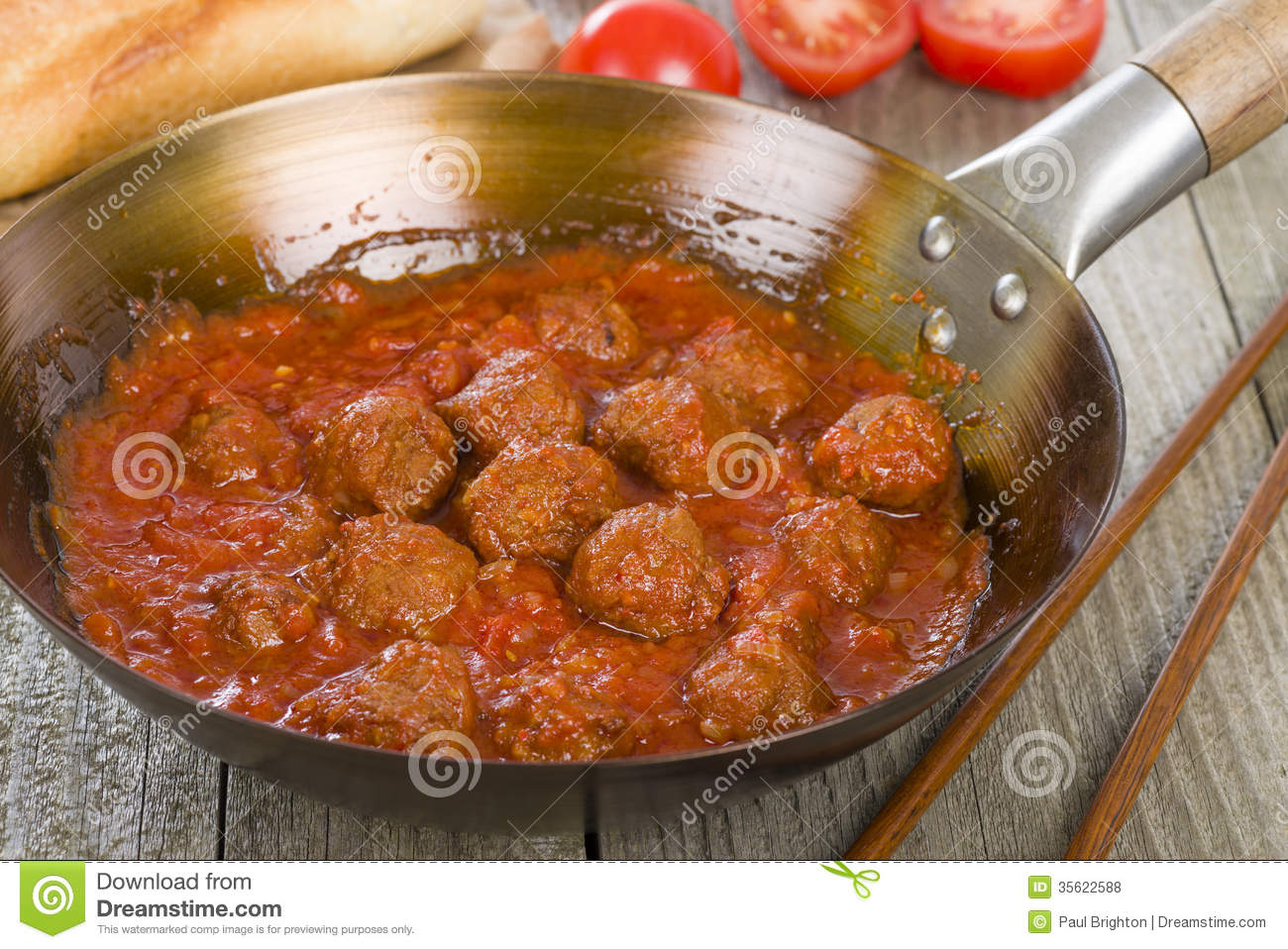 tomato sauce spicy meatballs with fragrant in fragrant tomato sauce ...