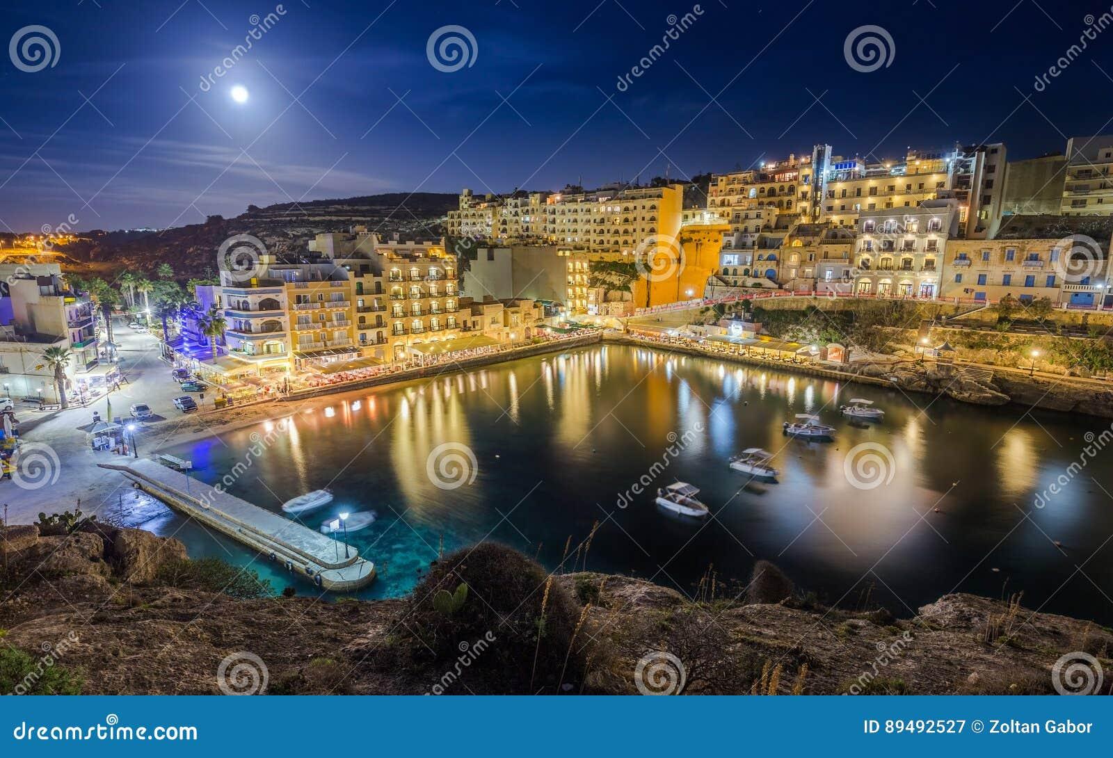 Xlendi, Gozo - noc strzelał Malta ` s najwięcej pięknego miasteczka