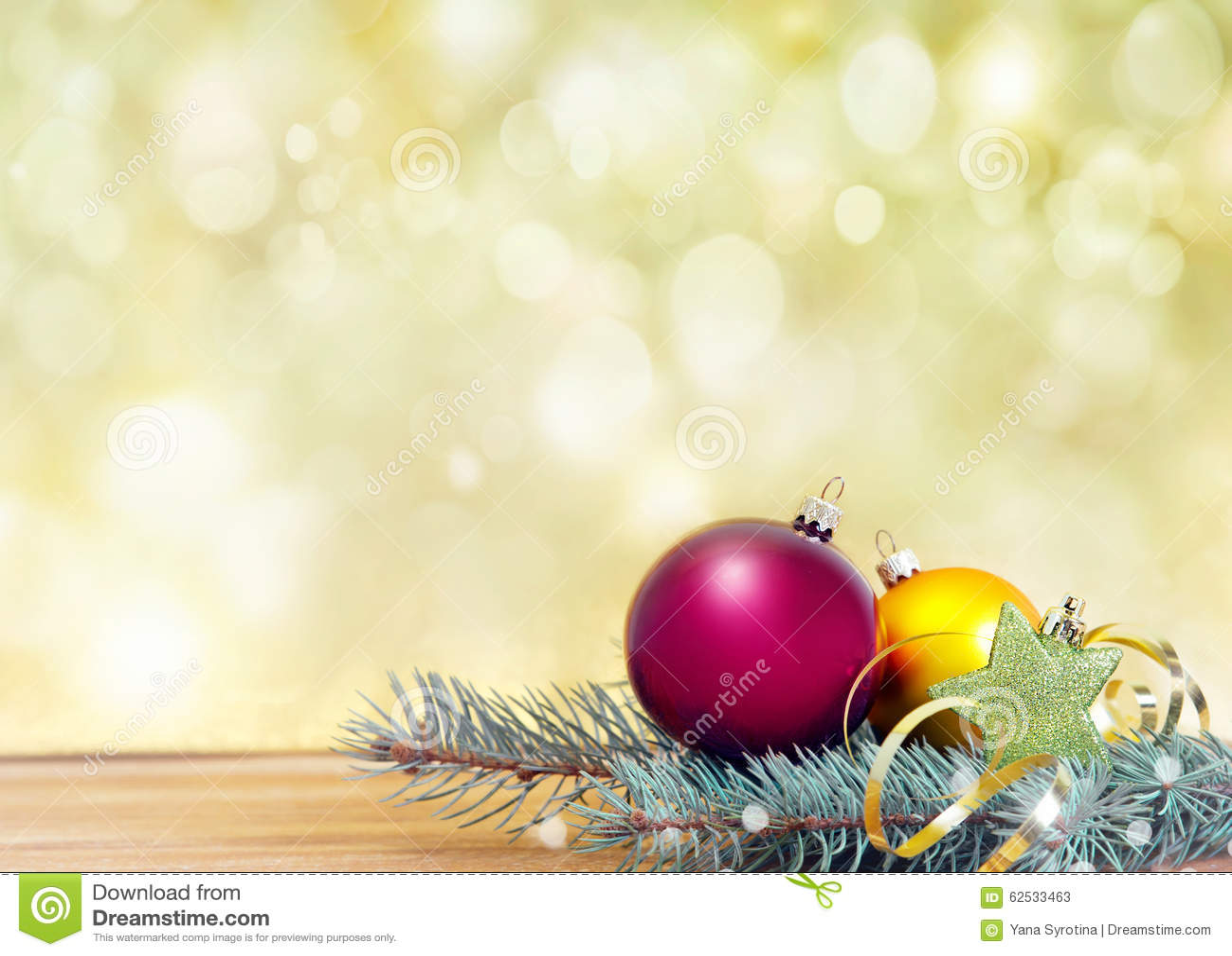 Xmas在金黄背景的假日装饰