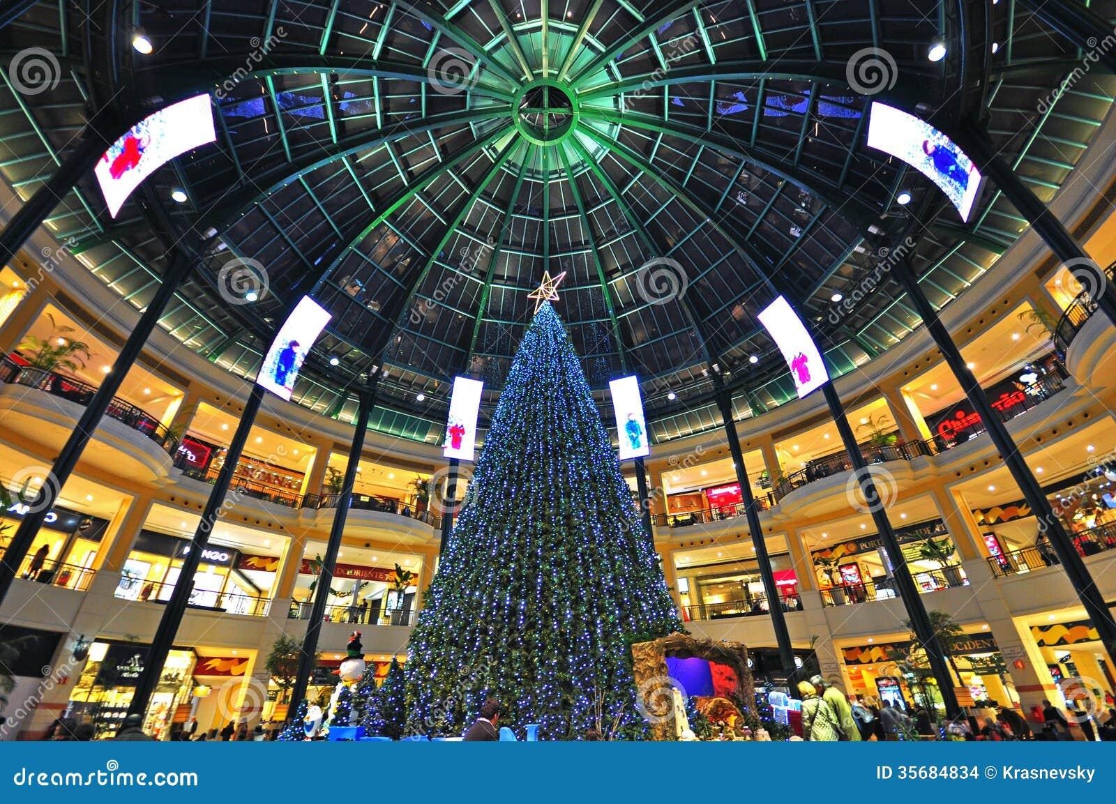malls open christmas eve toronto