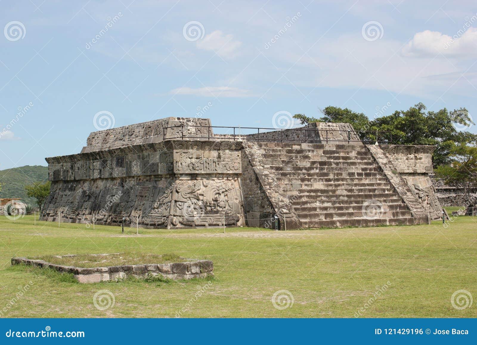 Xochicalco tempel av den befjädrade ormen Quetzalcoatl