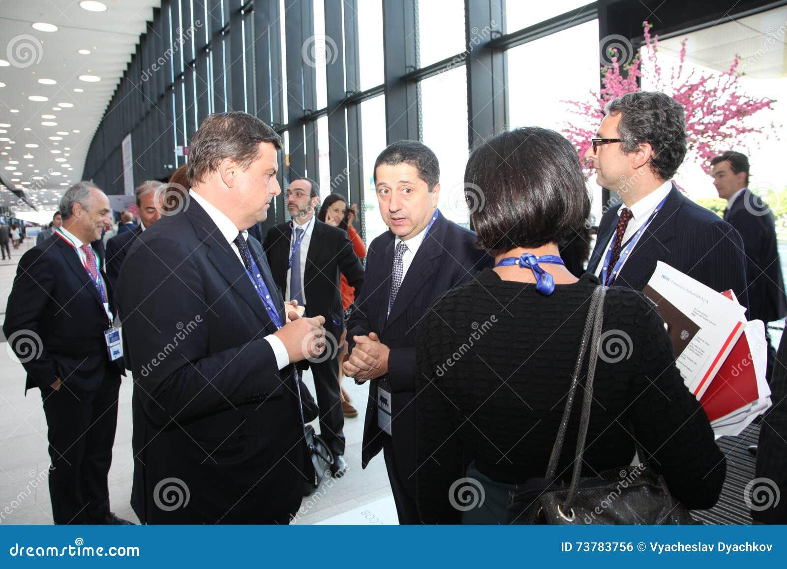 XX Świątobliwy Petersburg międzynarodowy ekonomiczny forum (SPIEF 2016 Rosja) goście, goście i uczestnicy forum,