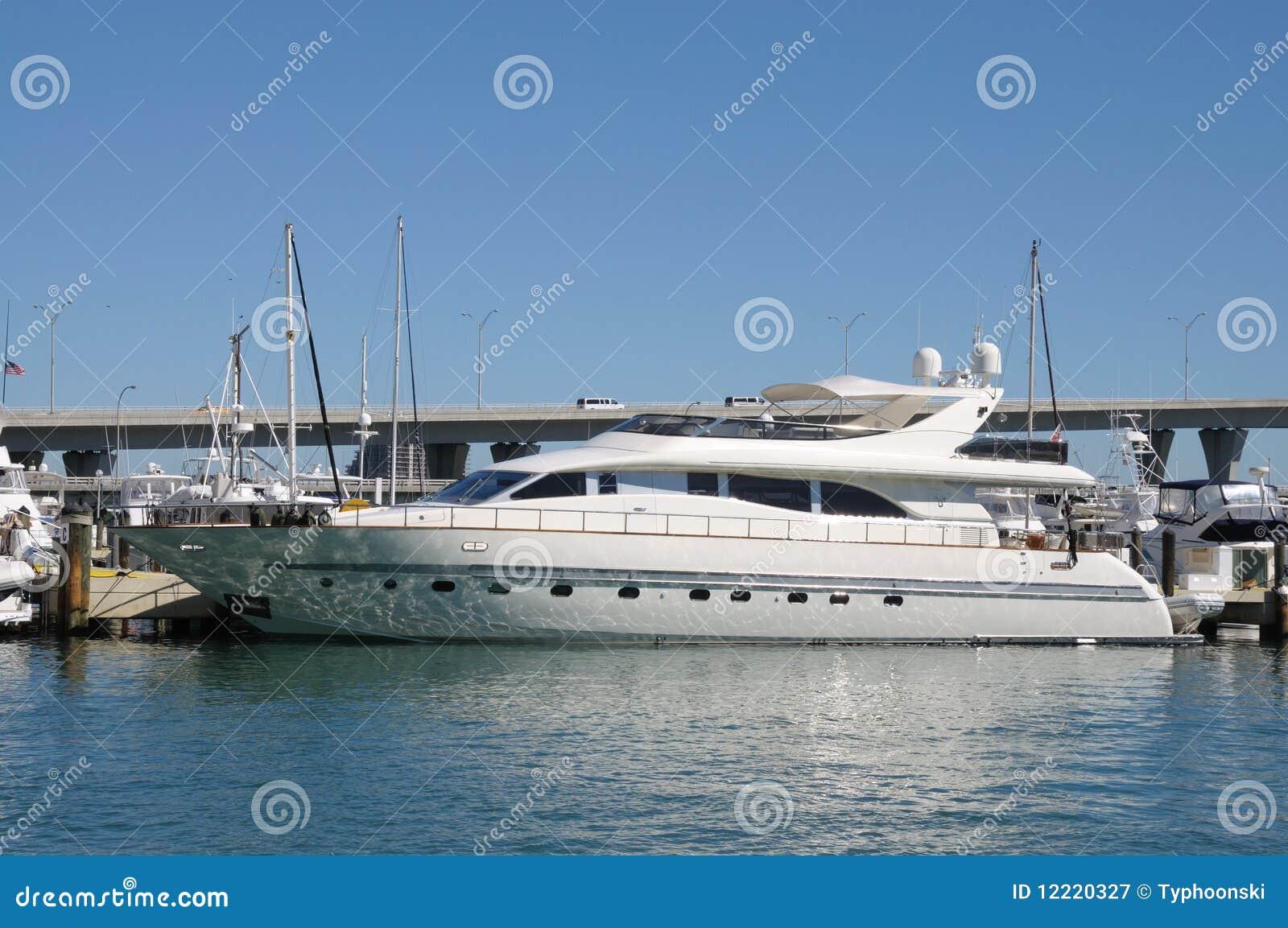 Yacht di lusso a Miami