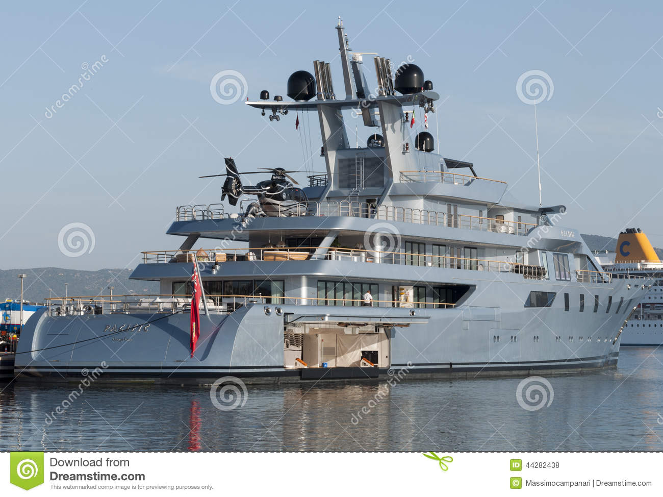 Yacht Con Elicottero : Yacht with helicopter editorial stock photo image of