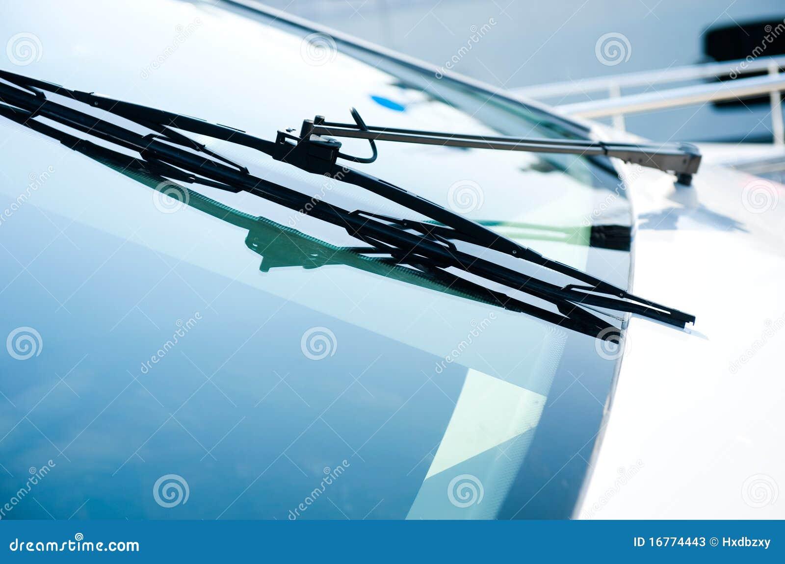 Yacht windshield wiper