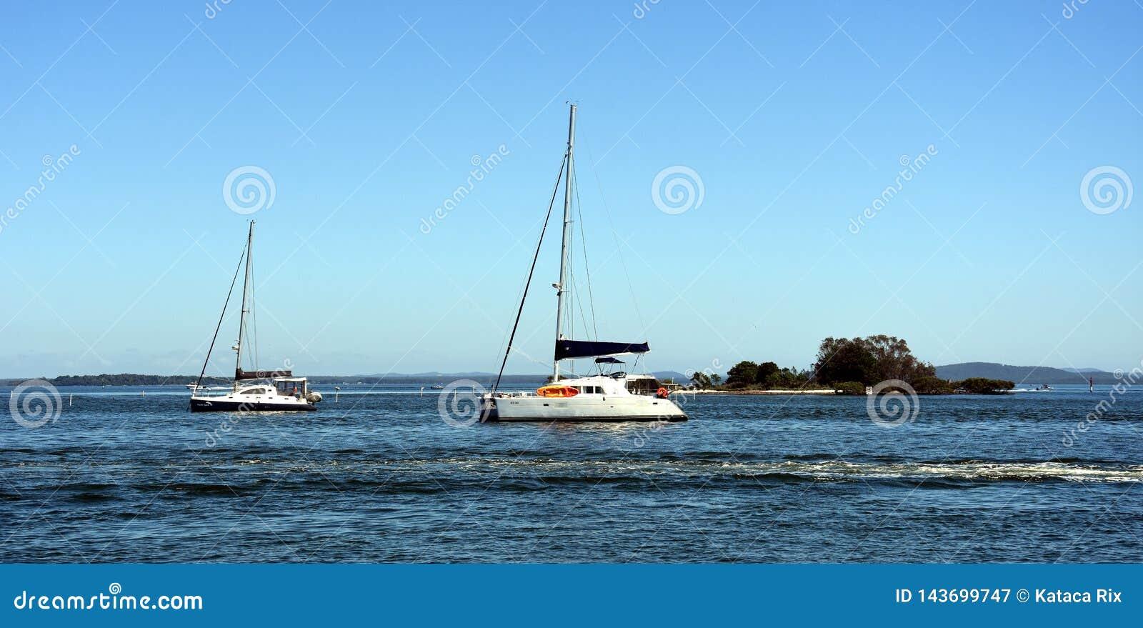 Yachten auf dem Wasser am Soldat-Punkt