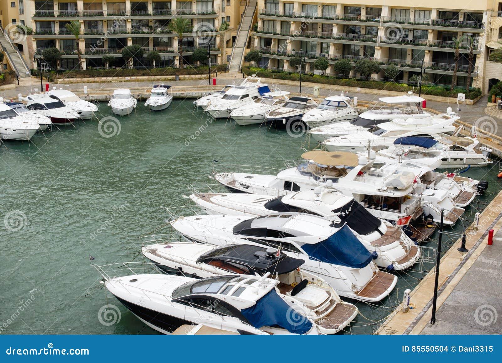 Yachten festgemacht an Portomaso-Jachthafen, Malta
