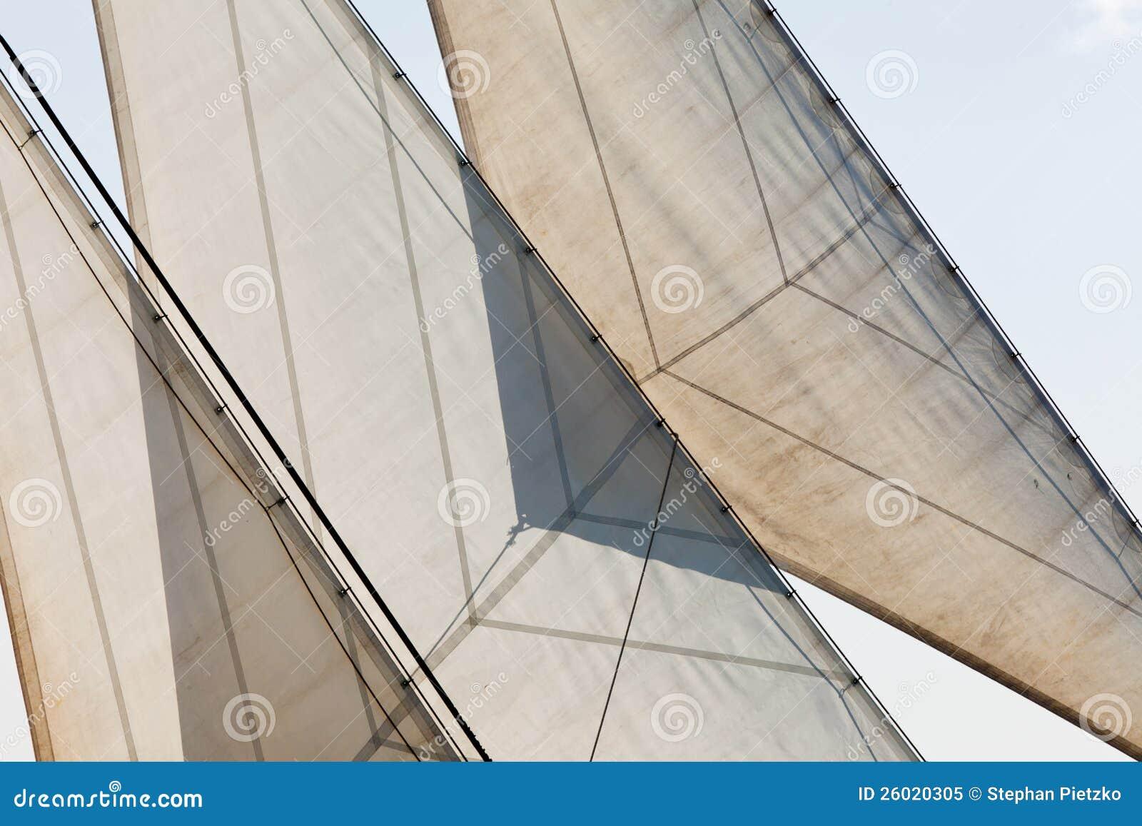 Yachten seglar och bakgrund för riggingdetaljabstrakt begrepp