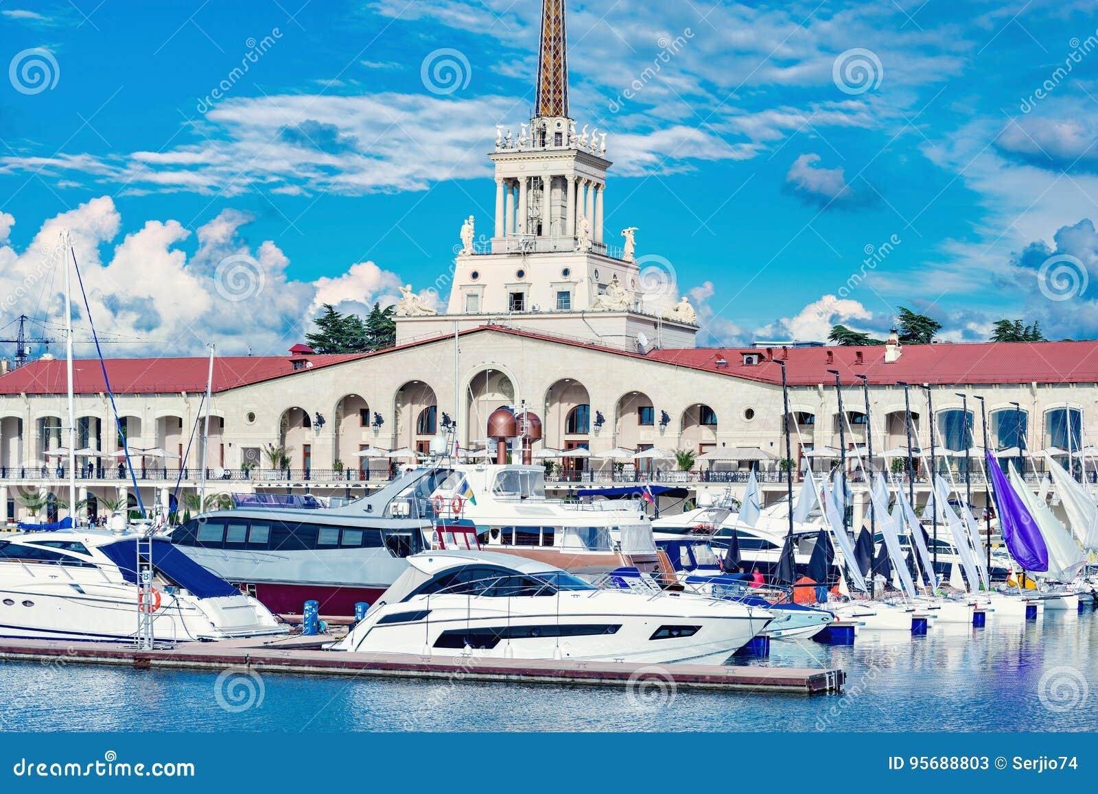 Yachten und Boote in Sochi