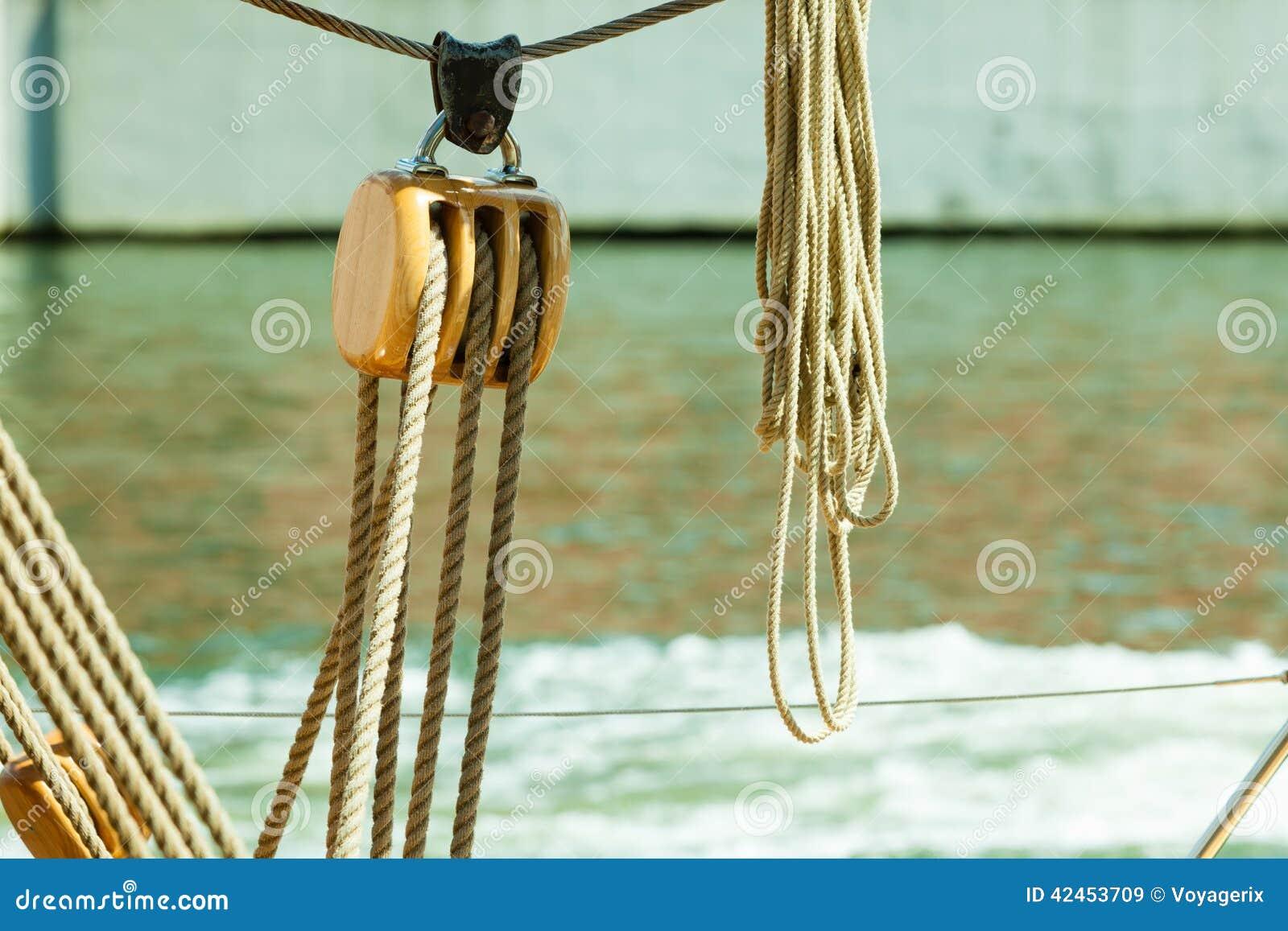 Yachting Block mit Seil Detail eines Segelboots