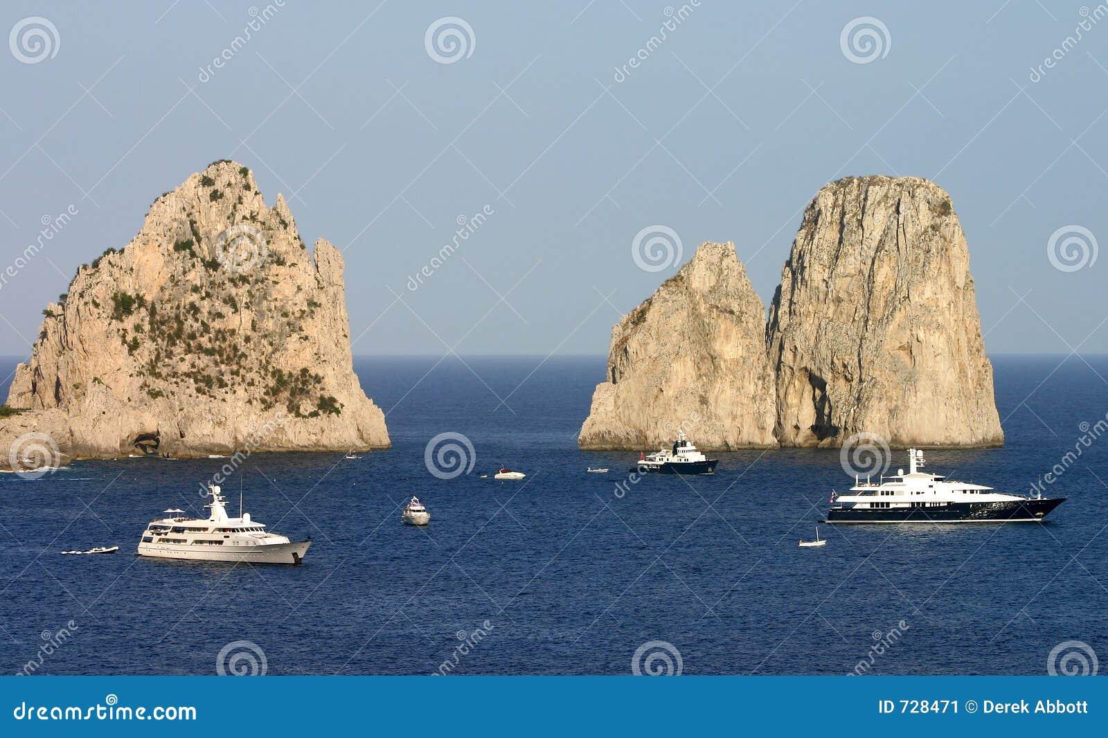 Yachts et falaises