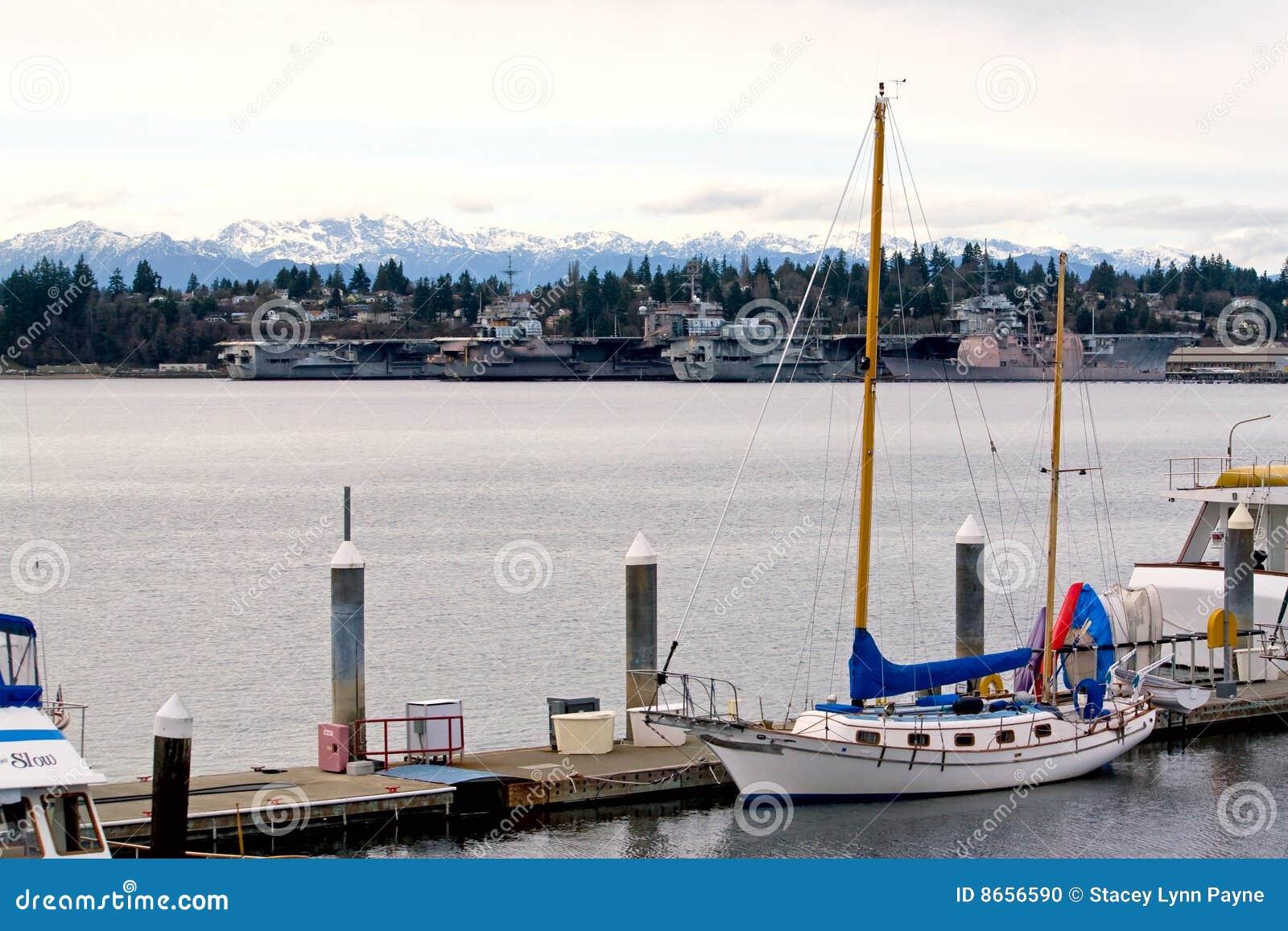 Yachts et porte-avions mis en conserve