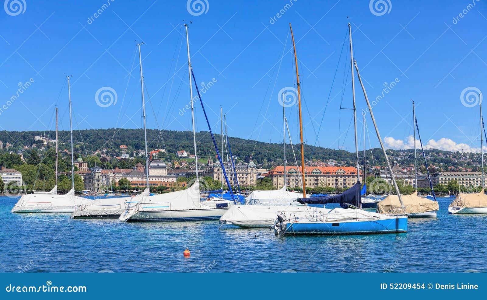 Yachts sur le lac Zurich