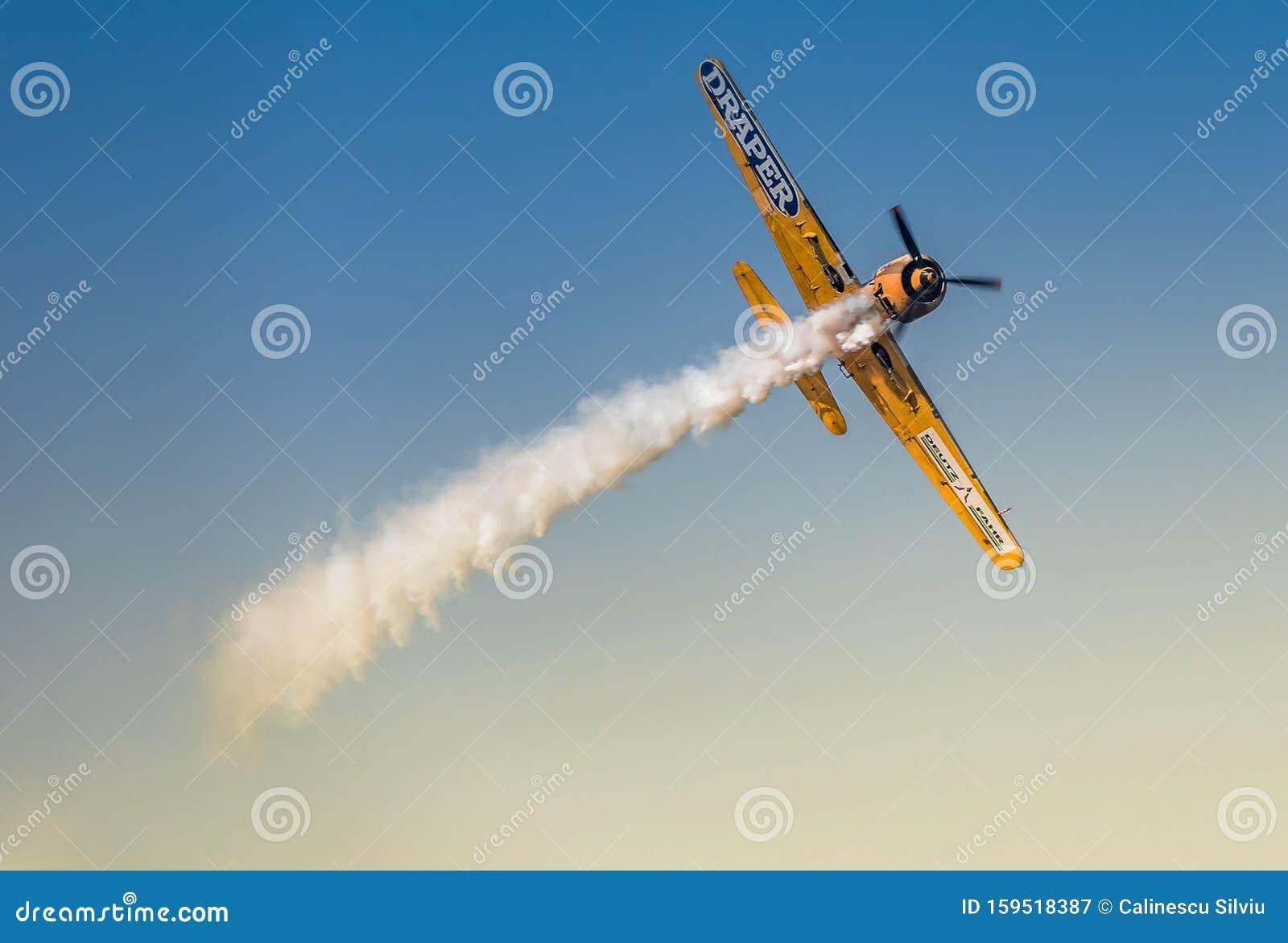 YAK-52 , Yakkers aerobios