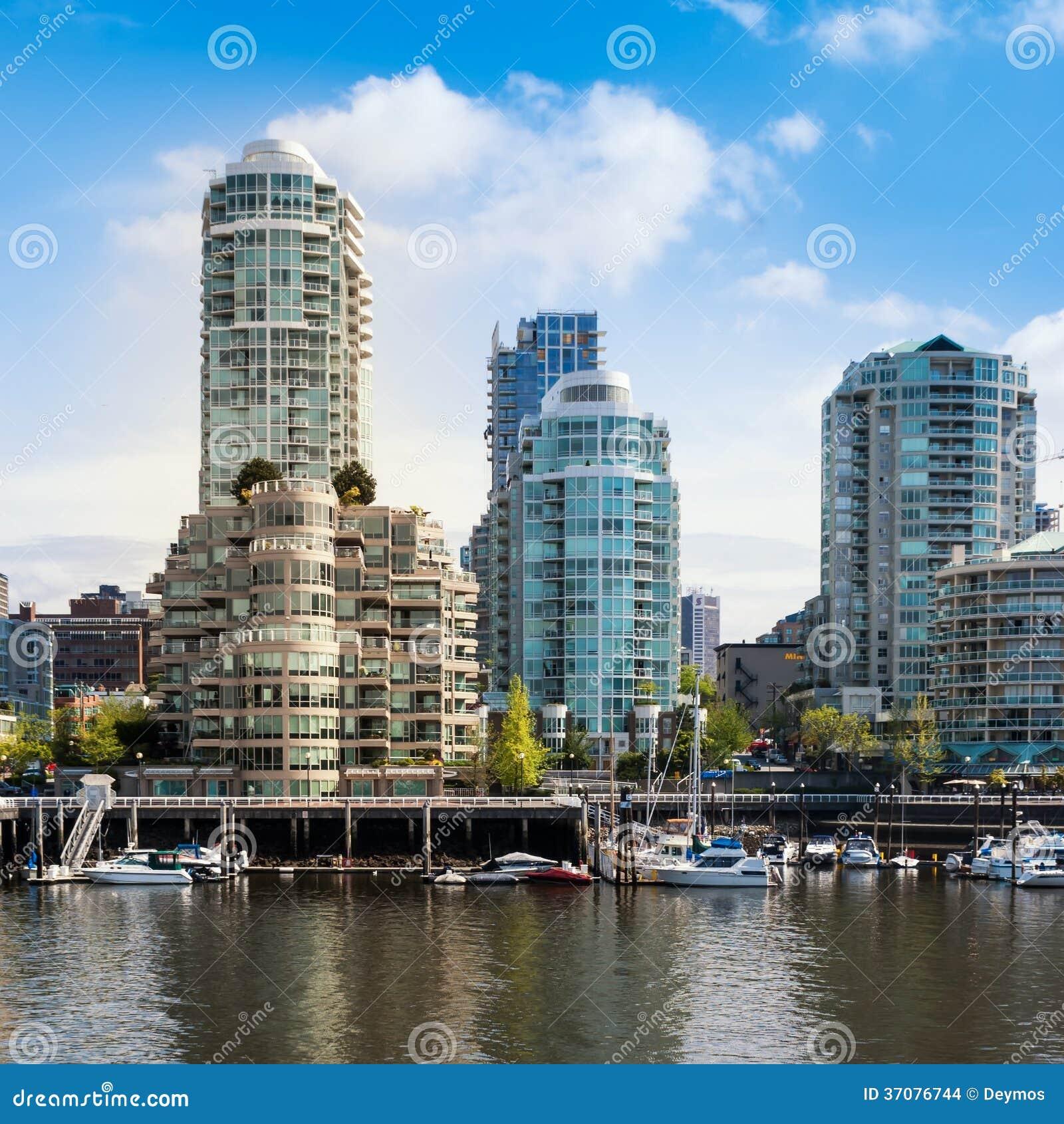 Download Yaletown Budynki Mieszkalni, Vancouver, Kanada Obraz Stock Editorial - Obraz złożonej z morze, chmury: 37076744