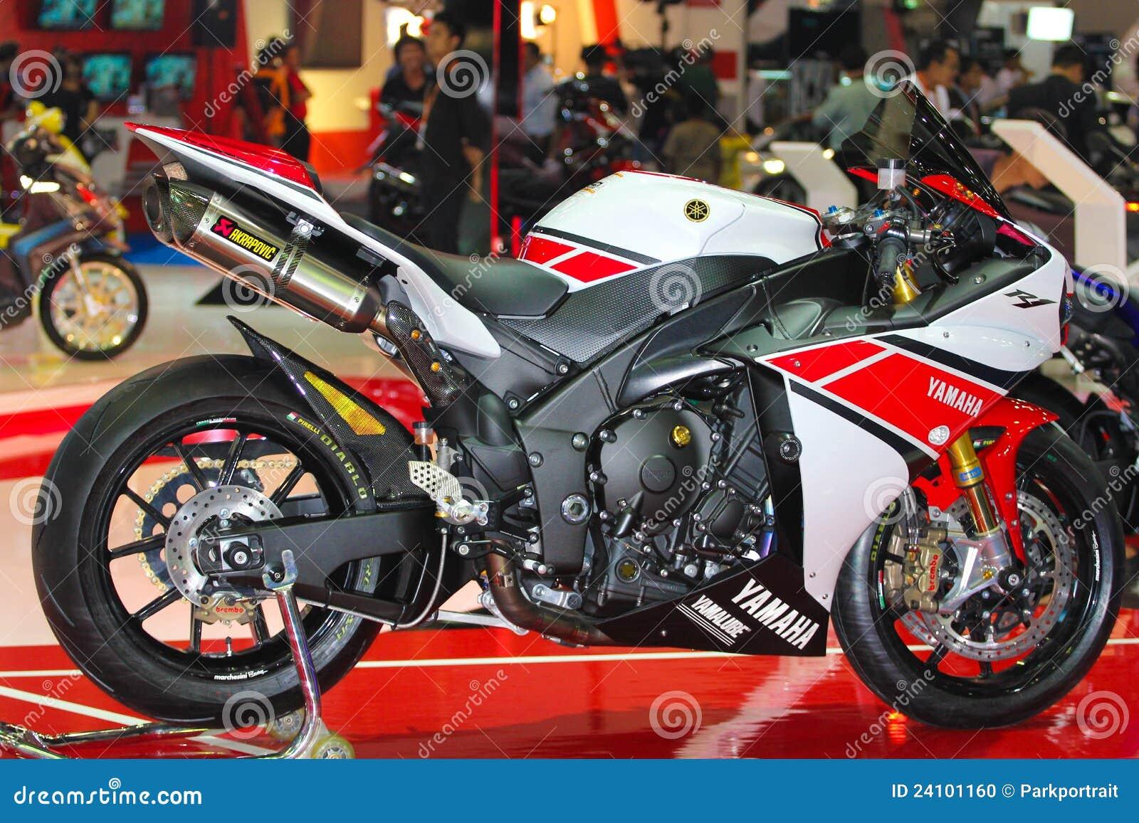 Yamaha r1 motor show 2012 editorial image image 24101160 for Yamaha motor credit card