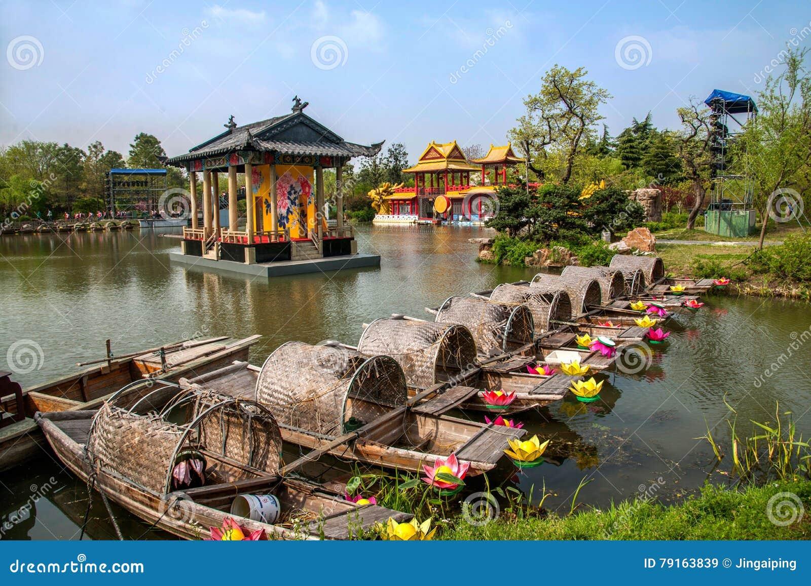 Yangzhou Slender West Lake Water Garden Stage Stock Image - Image of ...