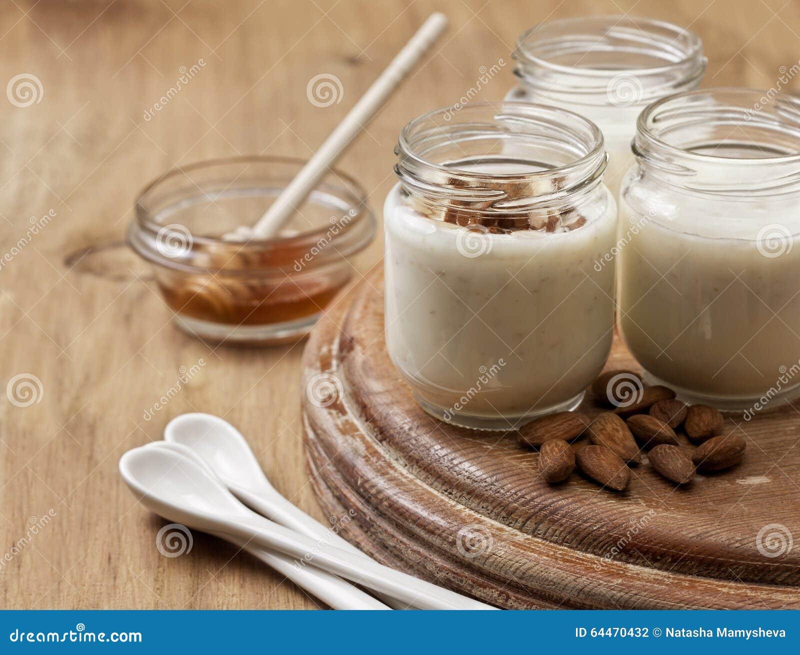 yaourt maison avec lait d amande ventana blog. Black Bedroom Furniture Sets. Home Design Ideas