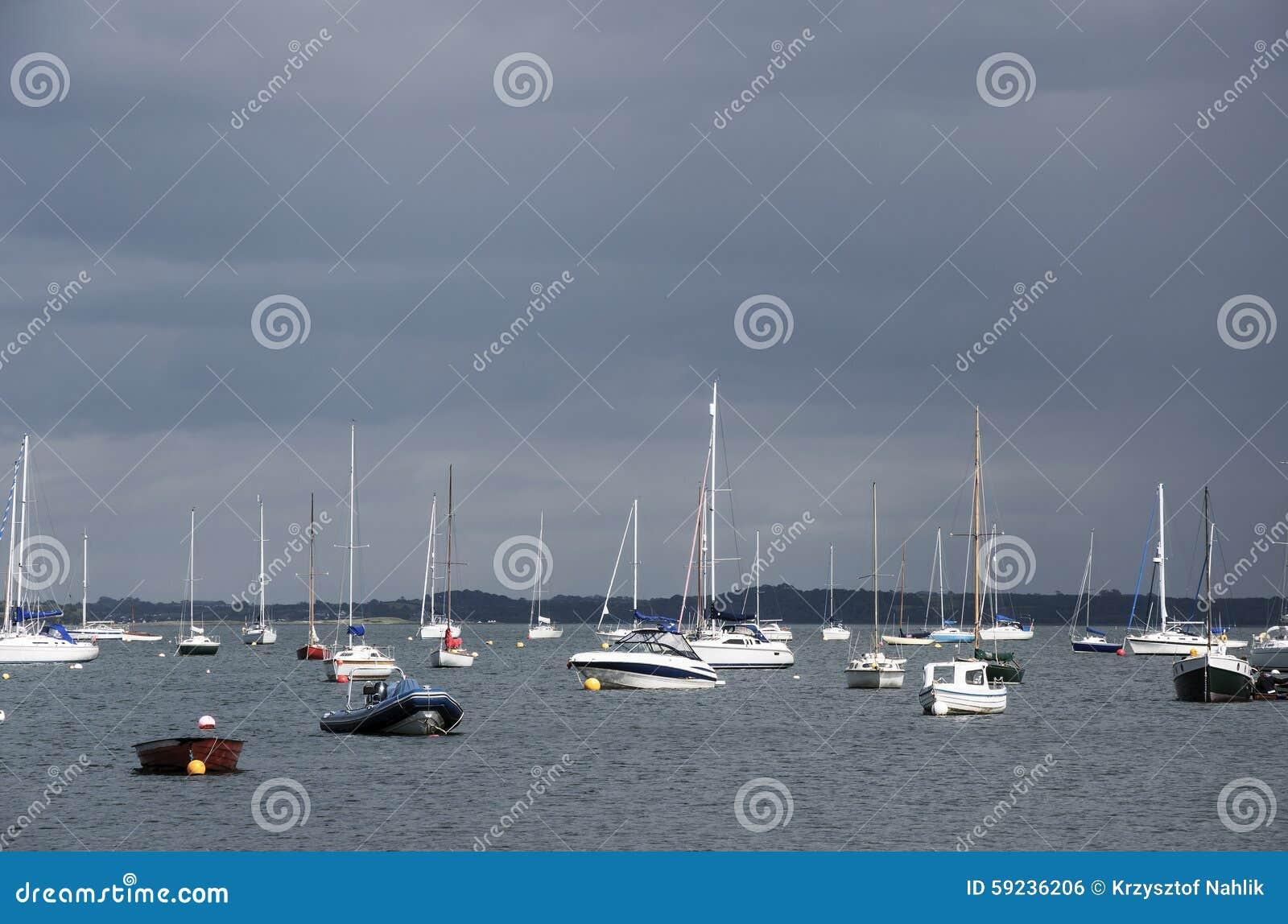 Download Yates antes de la tormenta foto de archivo. Imagen de europa - 59236206