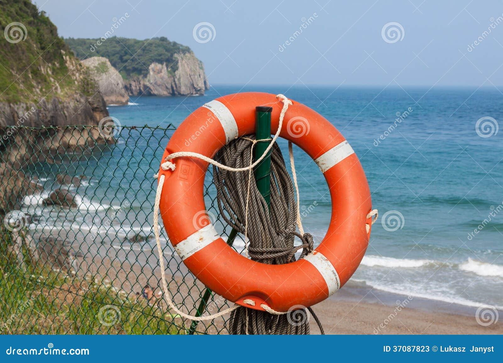 Download Życia boja obraz stock. Obraz złożonej z plaża, ochrona - 37087823