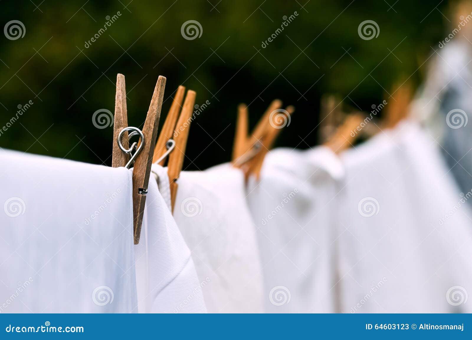 Życzliwej domycie linii biała pralniana osuszka outdoors