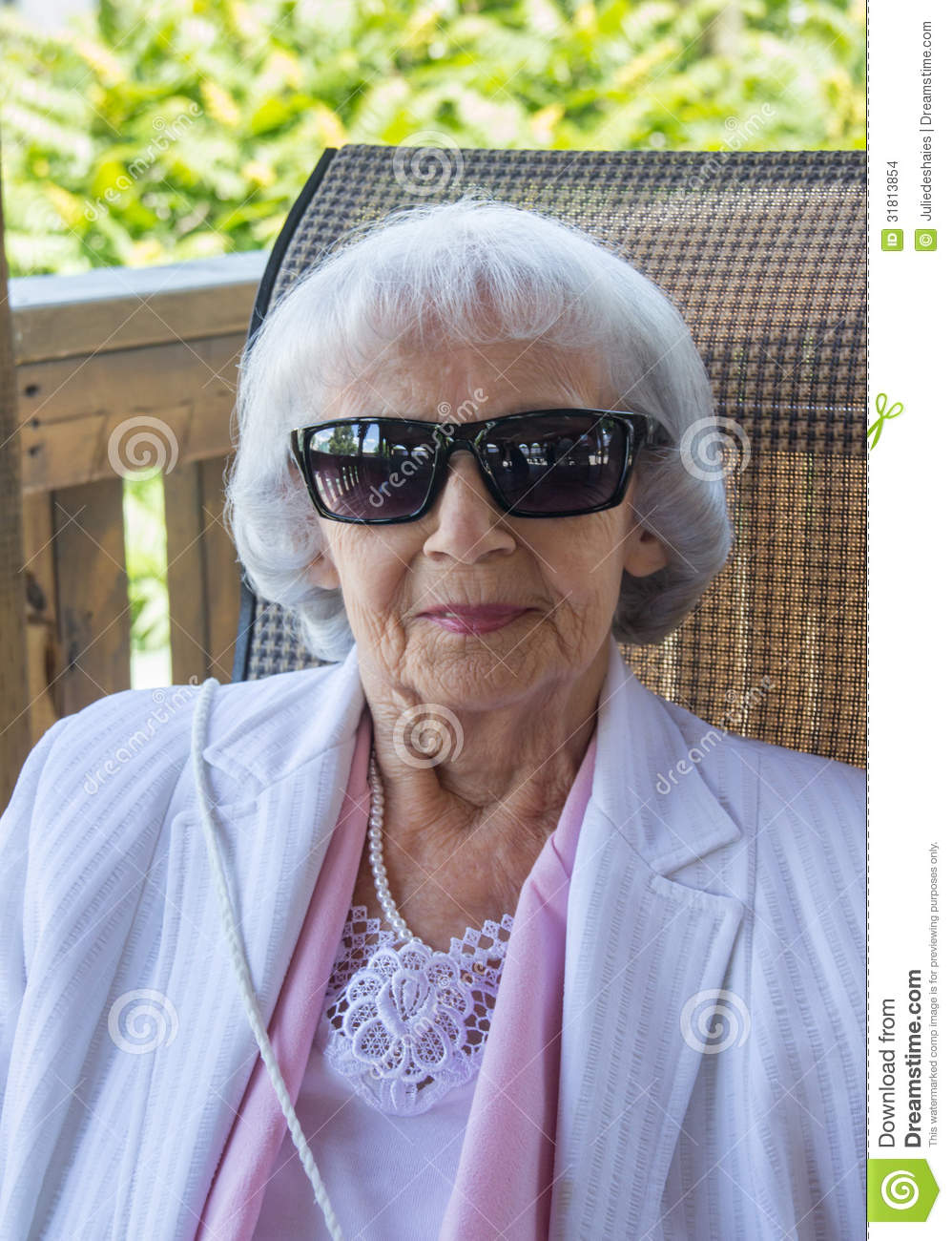 24aeaa73538d Old Lady In Sunglasses