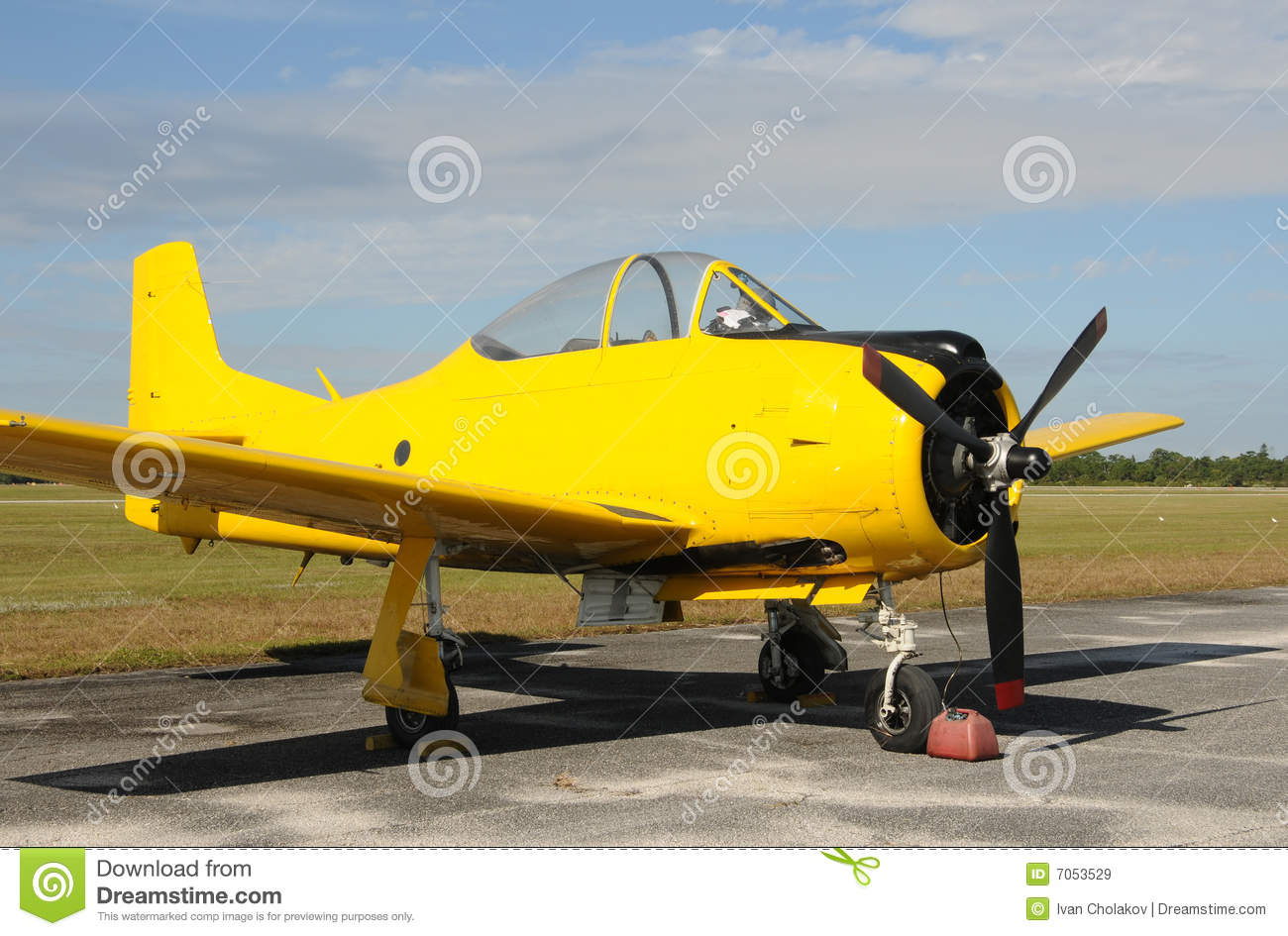 Yellow Airplane Royalty Free Stock Images - Image: 7053529
