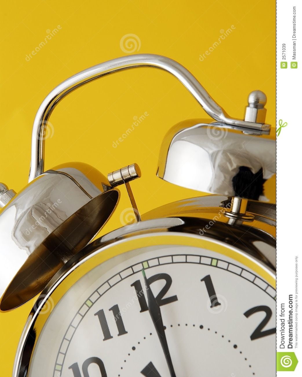 How To Set An Old Fashioned Alarm Clock