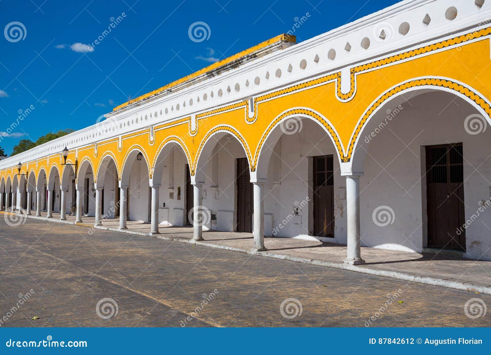 Yellow building in Izamal, Mexico
