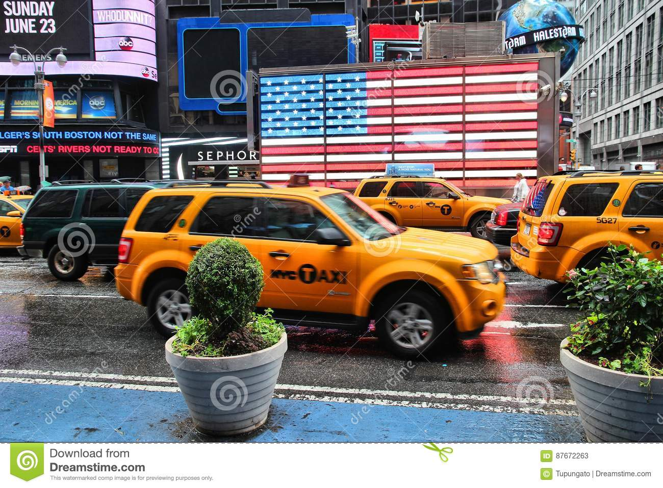 timeless design dd474 6555d Yellow cabs, New York editorial stock photo. Image of ...