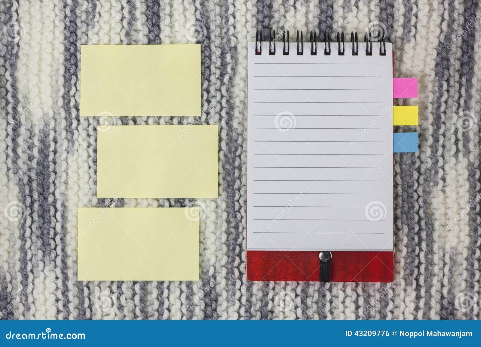 Download Yellow För Skugga För Paper Bana För Clippinganmärkning Klibbig Arkivfoto - Bild av tomt, knit: 43209776