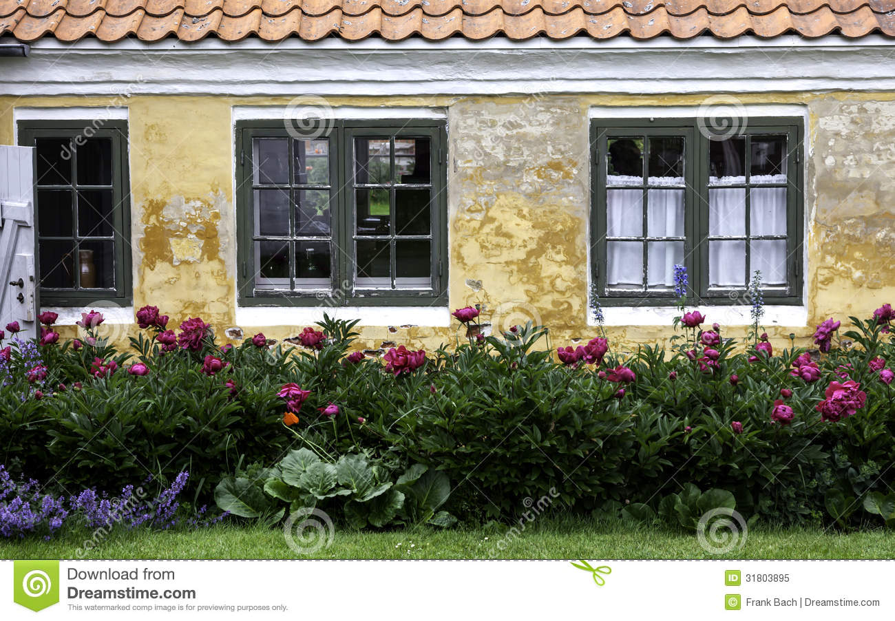 Yellow house in the center of skagen in jutland royalty free stock photo image 31803895 - The jutland small house ...