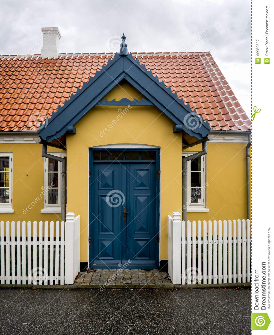 Yellow house in the center of skagen in jutland stock photo image 33963532 - The jutland small house ...