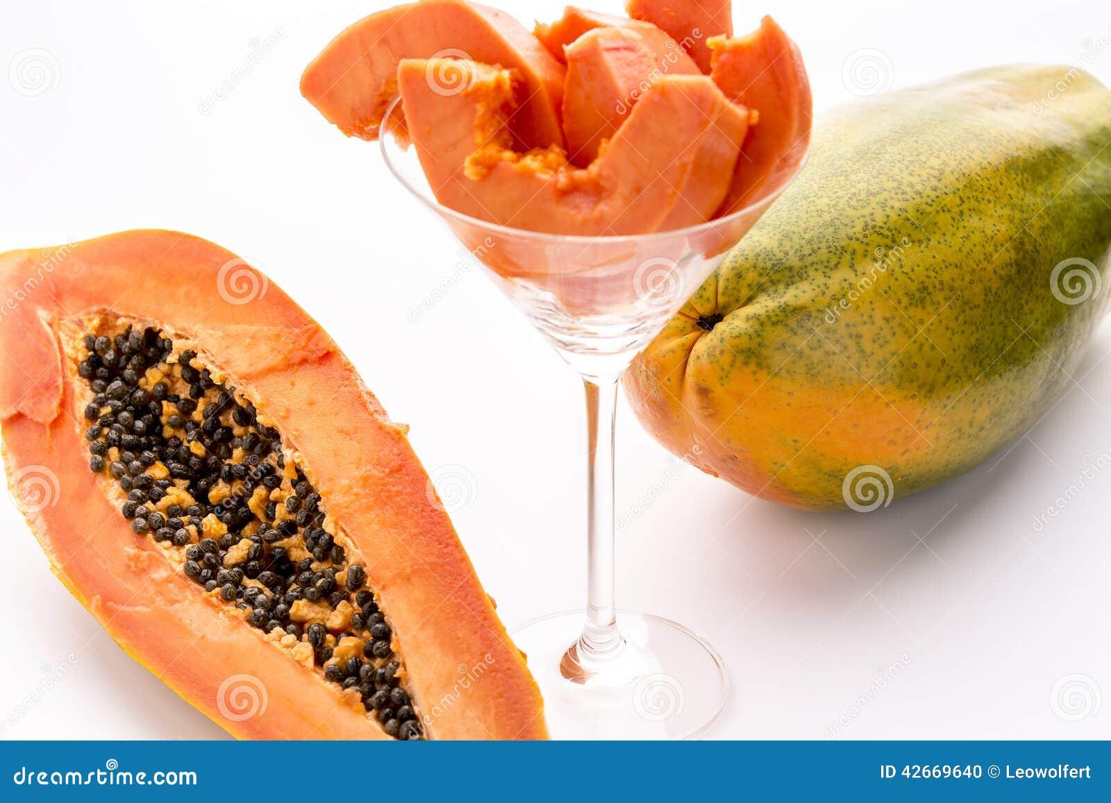 how to cut red papaya