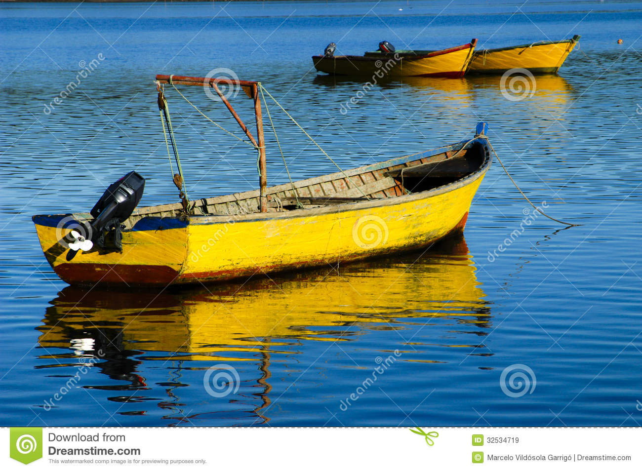Yellow Boat Royalty Free Stock Images - Image: 32534719