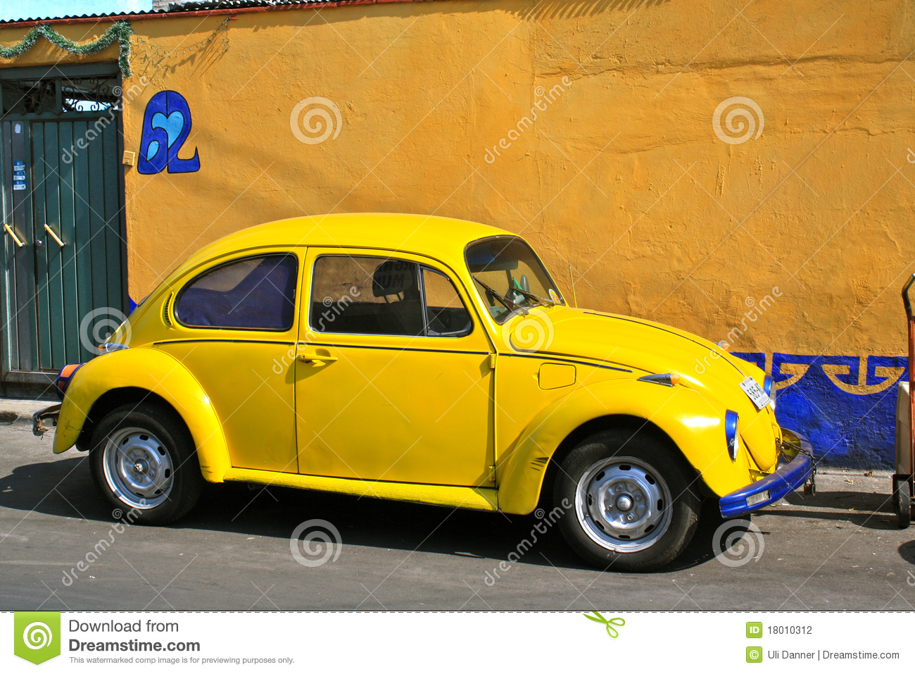 yellow vintage beetle volkswagen stock photography image 18010312. Black Bedroom Furniture Sets. Home Design Ideas