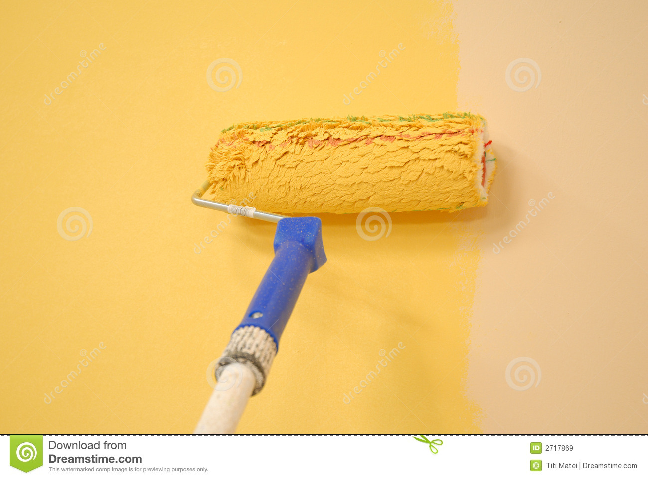 Yellow wall painting roller stock image image 2717869 - Pinturas lavables para paredes ...