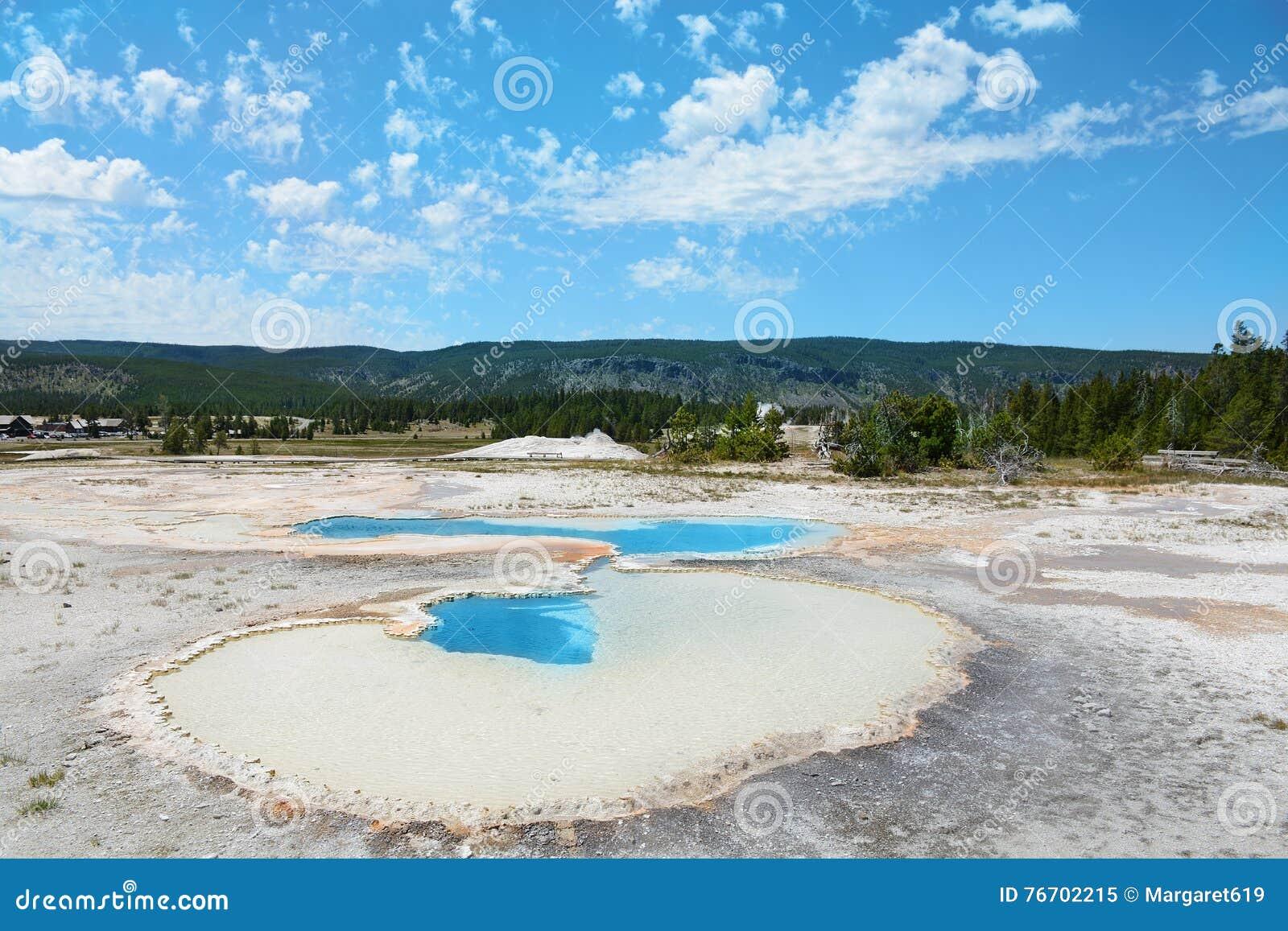 Yellowstone nationalpark, USA, Hot Springs, personer som stirrar