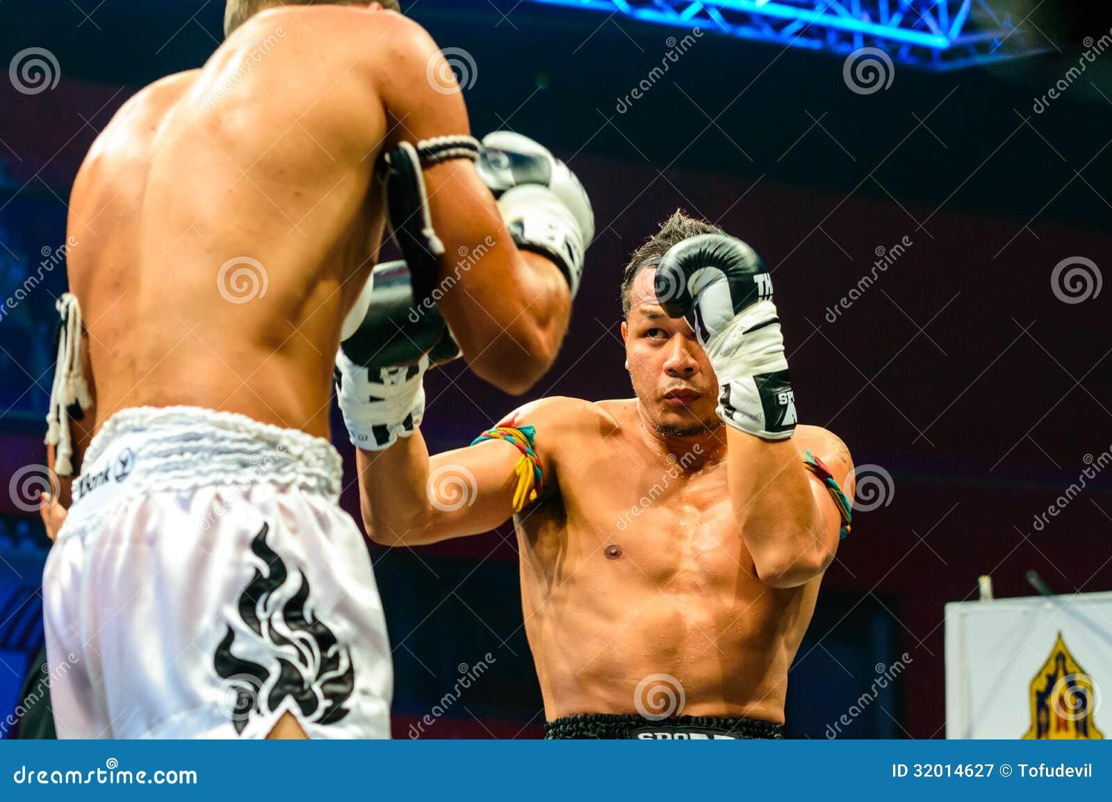 Yodsanklai Fairtex of Thailand and Kazbek Zubayraer of Rassia in Thai Fight Extreme 2013