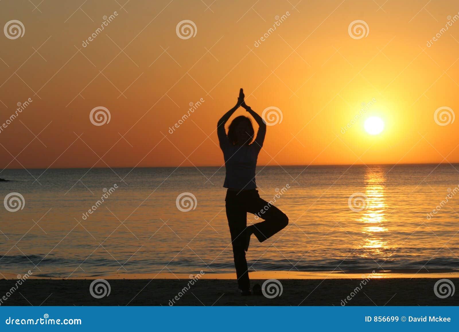 Yoga auf dem Strand, Tel Aviv
